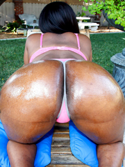 Busty ebony babe with big ass Black Swan posing and..