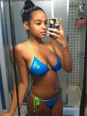 Sexy ebony chicks in the swimsuits selfies and self-shot..