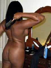 Group of sexy ebony girlfriends