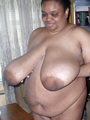 Very fat black mature woman sitting.. - Ebony Nude Gfs