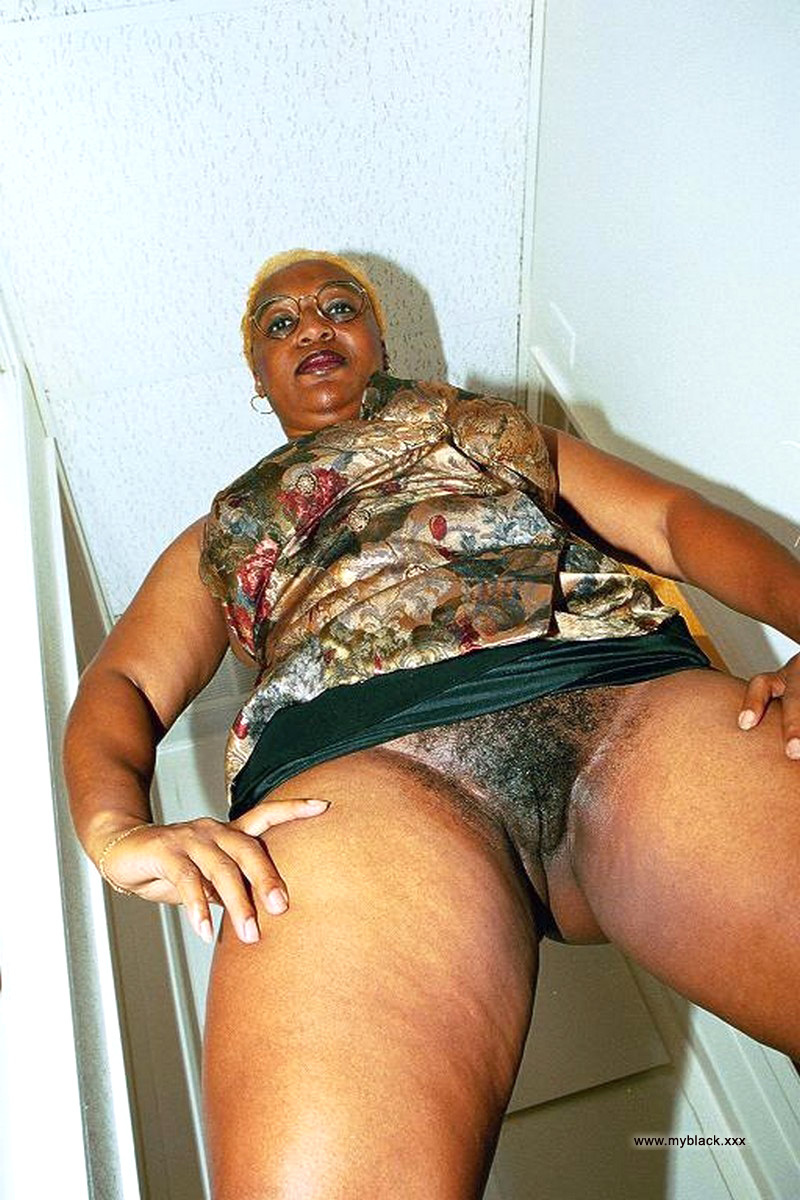 Fat ass ebony granny