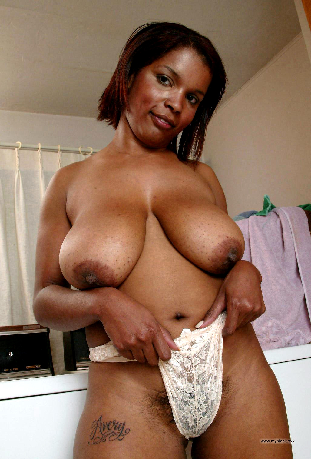 nude ebony moms with huge tits