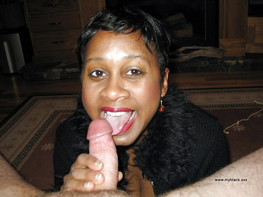 Huge Tit Ebony Amateur Blowjob