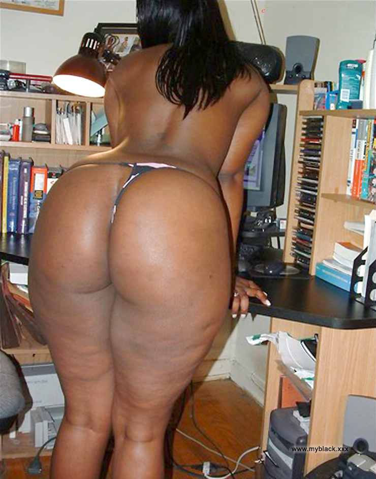 Moms Naked Big Black